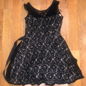 Betsy & Adam Size 14 Black Lace Homecoming Dress